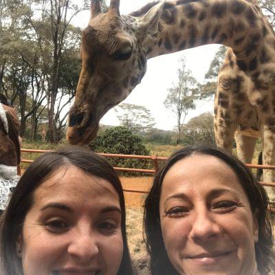 españolas en el giraffe center, nairobi
