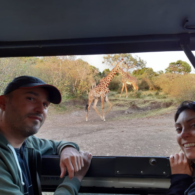 laia y antonio en el parque nacional de nakuru