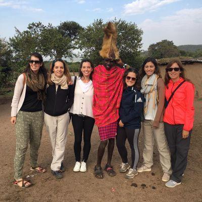 grupo de españolas en el masai mara, kenia